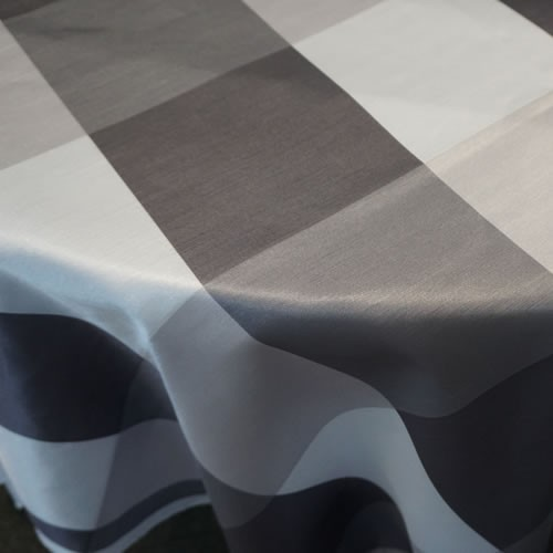 Big Plaid, Grey on Table